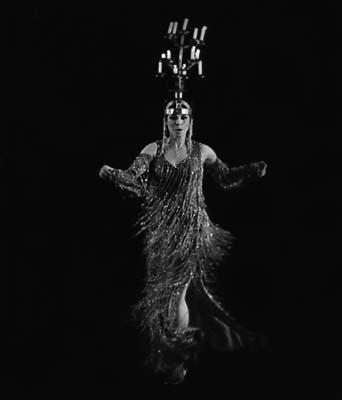 Raks al Shemadan: Candelabrum Dance